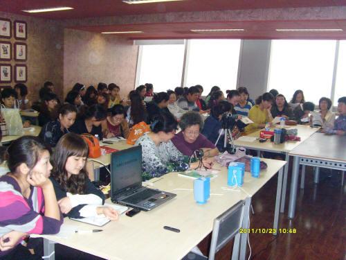 天津市孤独症儿童康复知识讲座在华夏未来少儿艺术