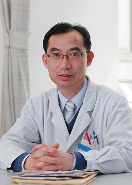 中国医学科学院/主任医师,医学博士,博士生导师,现任白血病诊疗中心副主任。